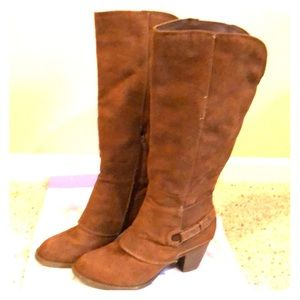 Shoes - Cute brown riding boots